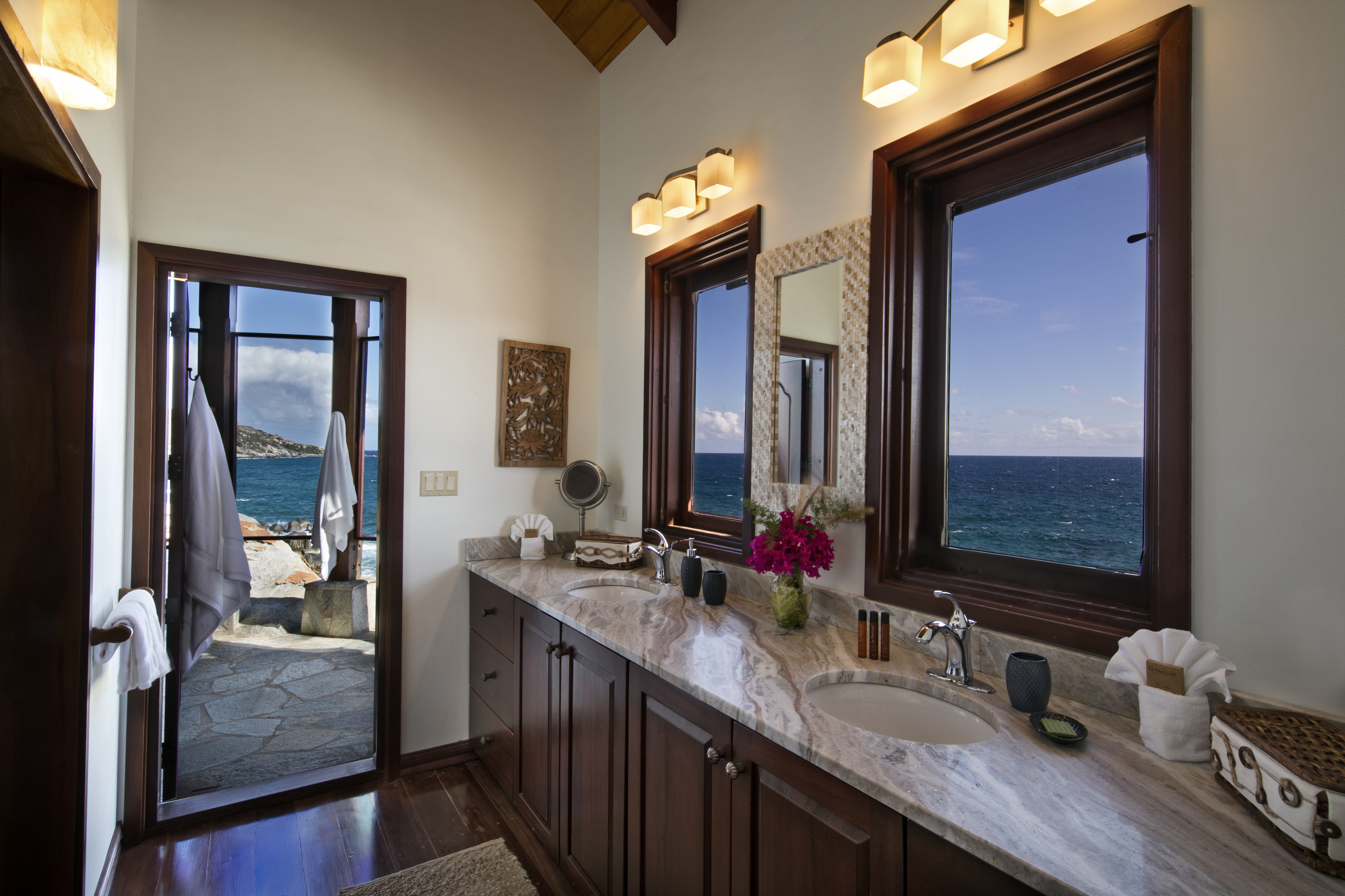 Batu Villa Bathroom